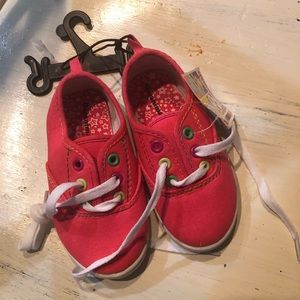Toddlers tennis shoes